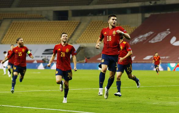 Hủy diệt Đức 6-0, Tây Ban Nha vào bán kết Nations League - Ảnh 2.