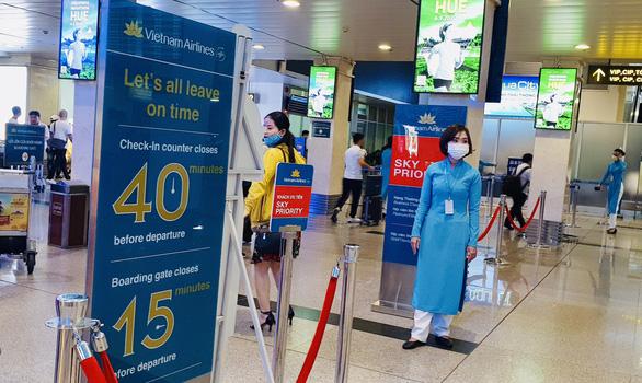 Cổ phiếu Vietnam Airlines tăng sau tin được giải cứu - Ảnh 1.