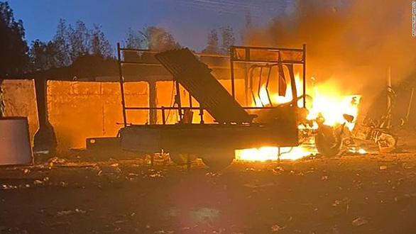 Tấn công tên lửa vào đại sứ quán Mỹ tại Iraq, 1 trẻ thiệt mạng - Ảnh 1.