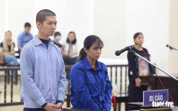 Đề nghị tử hình cha dượng bạo hành bé gái 2 tuổi dẫn đến tử vong - Ảnh 1.