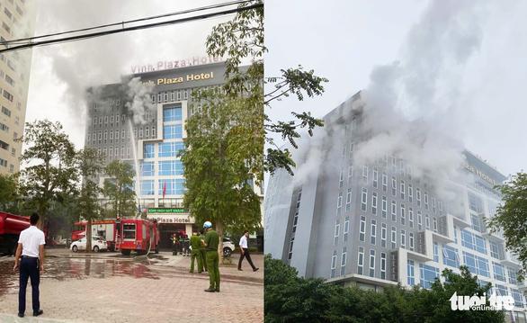 Cháy khách sạn 4 sao 8 tầng ở Vinh, khách tháo chạy lúc sáng sớm - Ảnh 1.
