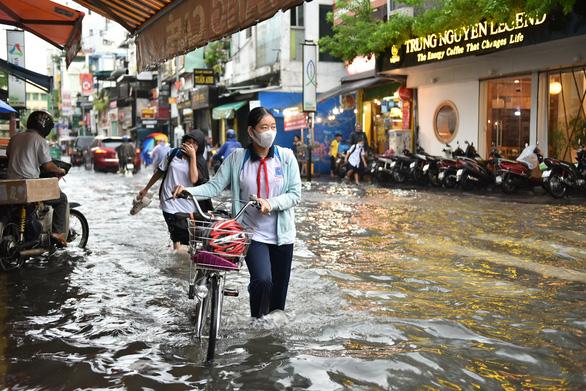 Đã có app trên điện thoại cảnh báo mưa gió, triều cường ở TP.HCM và Nam Bộ - Ảnh 1.