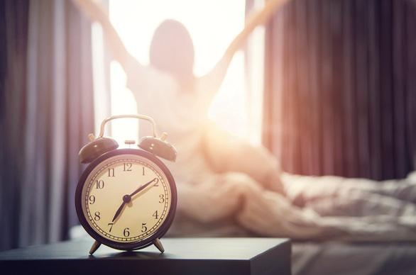 Ngủ bao nhiêu tiếng mỗi ngày để sống lâu? - Ảnh 1.