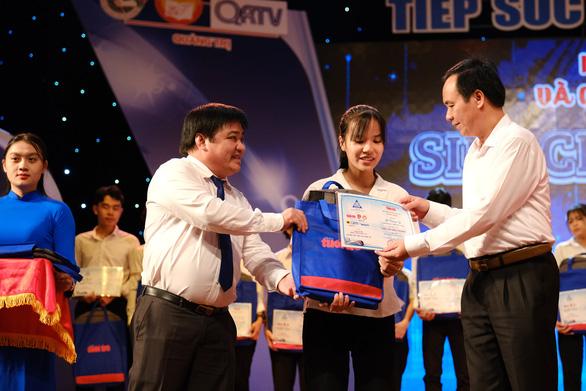 132 tân sinh viên nghèo Quảng Trị bớt lo khi lên giảng đường - Ảnh 1.
