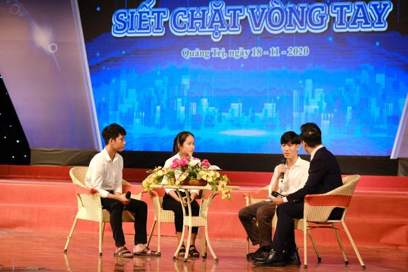 132 tân sinh viên nghèo Quảng Trị bớt lo khi lên giảng đường - Ảnh 3.