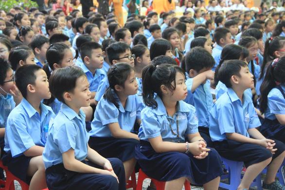Trường tiểu học 100 năm tuổi nhận Huân chương Lao động hạng nhất - Ảnh 2.
