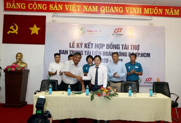 Trọng tài TP.HCM được tài trợ trang phục hơn 200 triệu đồng - Ảnh 1.