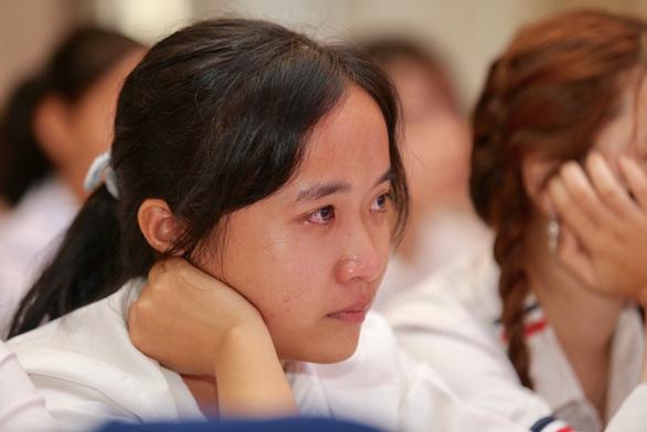 Cuộc gặp đầy nước mắt của hai mẹ con tân sinh viên nghèo xứ Huế - Ảnh 4.