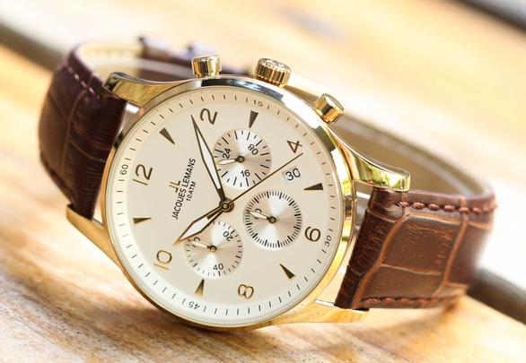 Đồng hồ, kính mắt giảm giá sốc lên đến 30% dịp Black Friday - Ảnh 1.