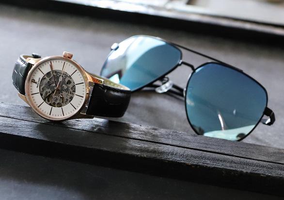 Đồng hồ, kính mắt giảm giá sốc lên đến 30% dịp Black Friday - Ảnh 3.