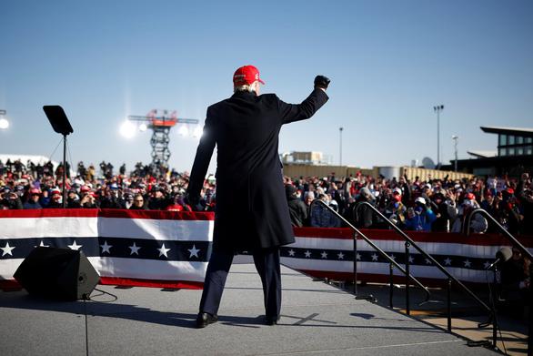 Bầu cử Mỹ: Ngày cuối lôi kéo cử tri còn do dự - Ảnh 1.