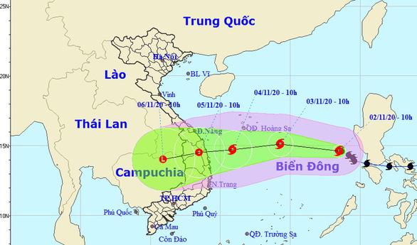 Bão số 10 mạnh cấp 7-8 khi vào Phú Yên - Đà Nẵng, tiếp tục gây mưa lớn ở miền Trung - Ảnh 1.