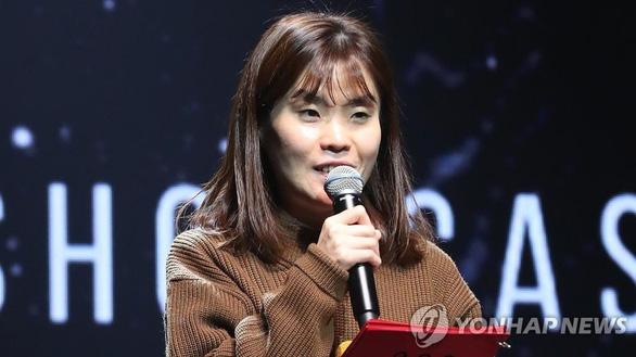 Showbiz Hàn 2020:  Vẫn scandal, thiệt hại vì COVID-19 và chấn động những cái chết - Ảnh 3.