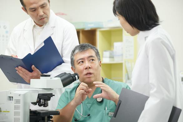 Tiến sĩ y học người Nhật mang đến niềm hi vọng mới cho bệnh nhân ung thư - Ảnh 1.