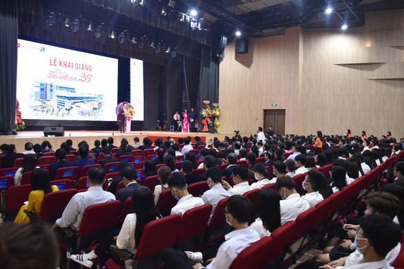 Đại học Văn Lang trao 10 tỷ đồng học bổng cho tân sinh viên trong lễ khai giảng năm 2020 - Ảnh 1.