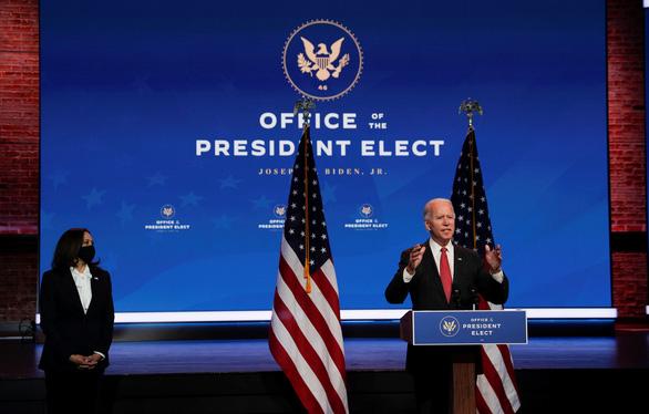 Ông Biden nói ông Trump vô trách nhiệm, dọa kiện tụng - Ảnh 1.
