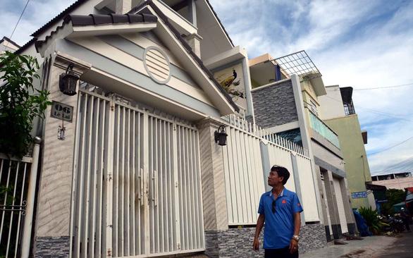 Vụ bỗng dưng bị chiếm nhà ở Bình Thuận: Không xử lý sẽ tạo tiền lệ xấu - Ảnh 1.