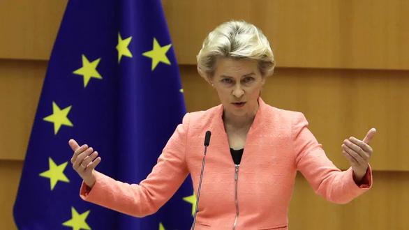 EU đốt giai đoạn xét duyệt vắc xin COVID-19? - Ảnh 1.