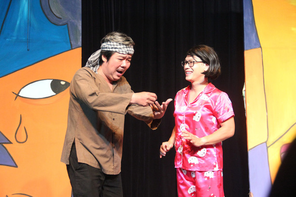 Mỹ Uyên biến hóa trên sân khấu hài của nhà hát 5B - Ảnh 5.