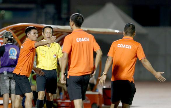 Trọng tài nữ FIFA bẻ còi ở Giải bóng đá nữ VĐQG 2020 - Ảnh 3.