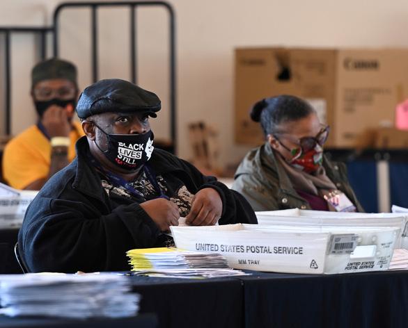 Chiến dịch Trump tuyên bố không chấp nhận kết quả kiểm phiếu lại ở Georgia - Ảnh 1.