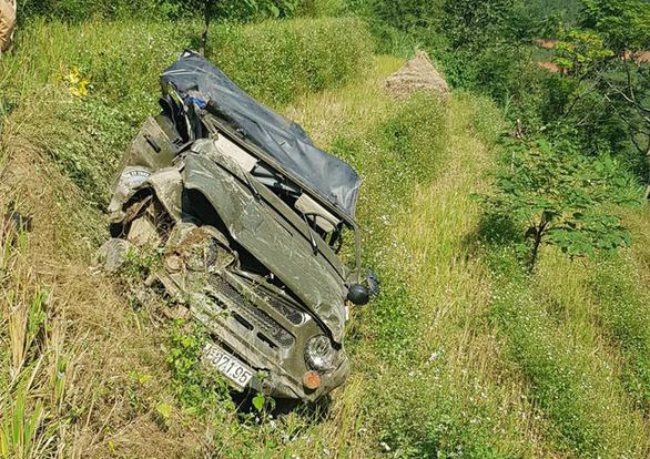 Đình chỉ 1 đăng kiểm viên liên quan xe Uoát rơi xuống vực ở Hà Giang - Ảnh 1.
