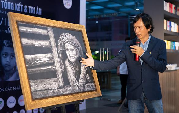Thêm hơn 1.6 tỉ đồng xây thư viện ước mơ từ triển lãm ảnh 'Thấu cảm' - Ảnh 1.