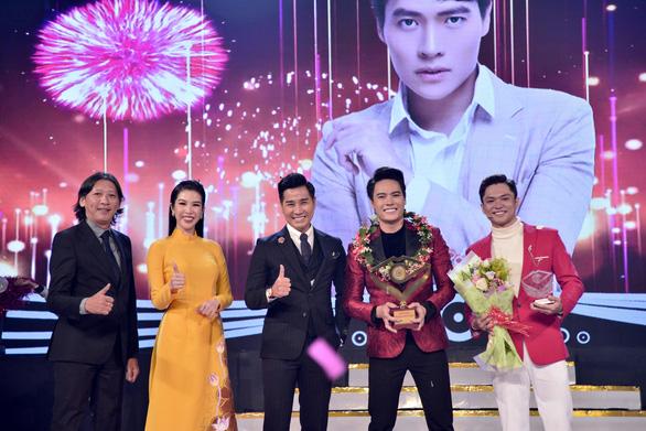 Tôn vinh người thầy, Võ Tấn Phát giành giải Én vàng nghệ sĩ 2020 - Ảnh 1.