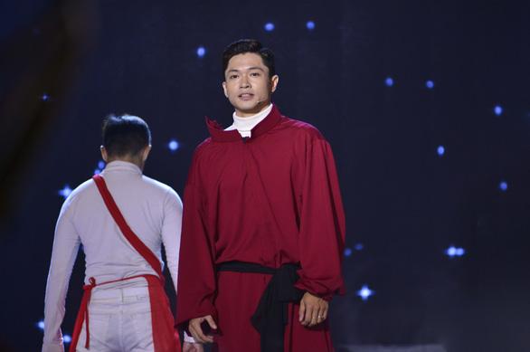 Tôn vinh người thầy, Võ Tấn Phát giành giải Én vàng nghệ sĩ 2020 - Ảnh 2.