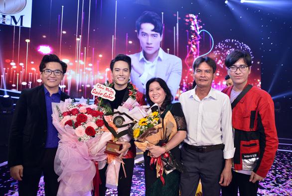 Tôn vinh người thầy, Võ Tấn Phát giành giải Én vàng nghệ sĩ 2020 - Ảnh 5.