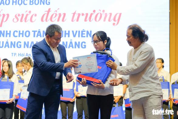 Tiếp sức 150 tân sinh viên nghèo Quảng Nam - Đà Nẵng đến trường - Ảnh 5.