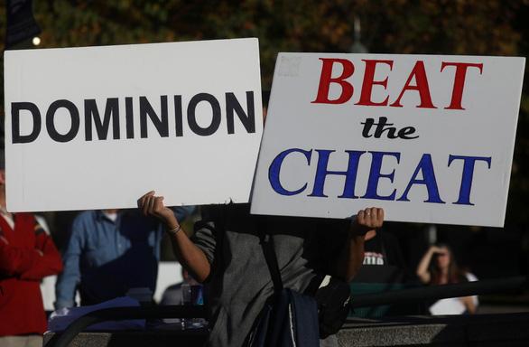 Một thẩm phán Mỹ bác khiếu kiện phiếu bầu qua thư tại Pennsylvania của phía ông Trump - Ảnh 1.