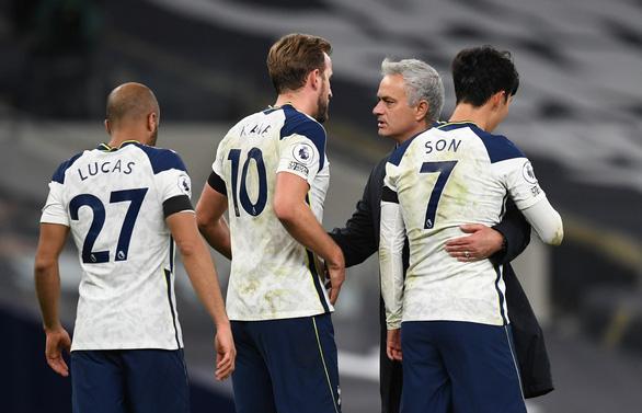 Tung 22 cú sút, Man City vẫn thua trắng Tottenham 0-2 - Ảnh 1.