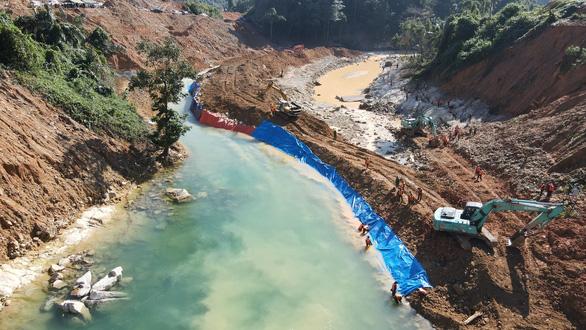 Phát hiện một thi thể ở khu vực lòng sông thủy điện Rào Trăng 3 - Ảnh 1.