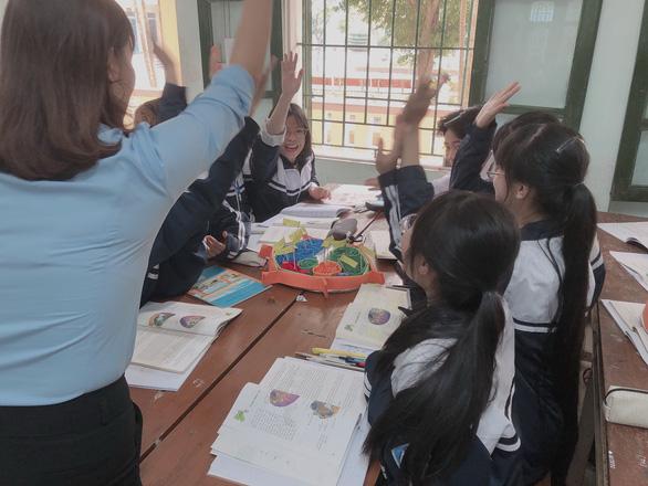 Yêu nghề dạy học - Kỳ cuối: Thay đổi để được những nụ cười - Ảnh 2.