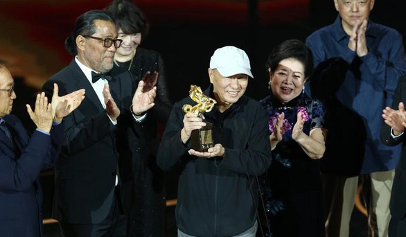 Vắng đại diện điện ảnh Trung Quốc, giải thưởng Kim Mã Đài Loan vẫn náo nhiệt - Ảnh 9.