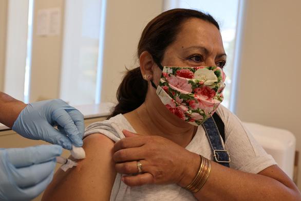 Mỹ sẵn sàng tiêm vắcxin phòng COVID-19 rộng rãi cho dân từ 11-12 - Ảnh 1.