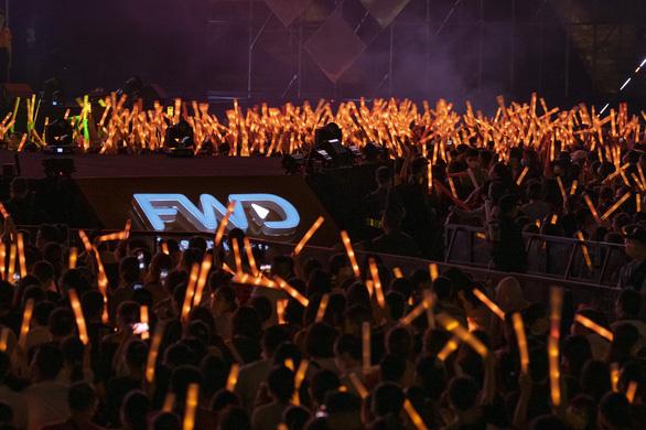 Tóc Tiên, Jack, Karik, Dế Choắt… 'bùng cháy' trong đêm nhạc FWD Music Tour - Ảnh 2.