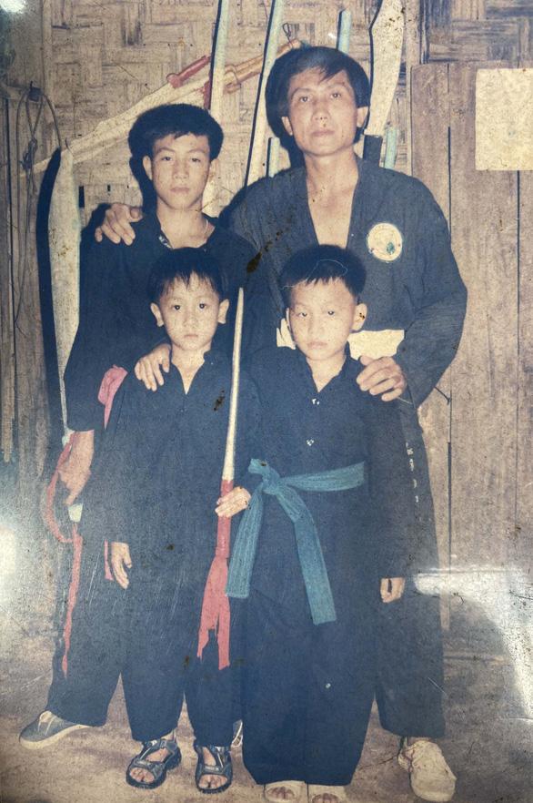 Nguyễn Trần Duy Nhất - Cao thủ sàn Muay Thái - Kỳ 1: Dòng máu võ thuật - Ảnh 3.