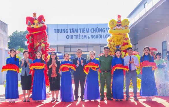 Khai trương Trung tâm tiêm chủng VNVC Long Khánh - Ảnh 1.