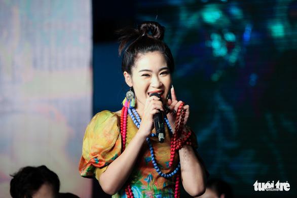 Xẩm, EDM và rap hội tụ trong MV Xẩm Hà Nội - Ảnh 2.