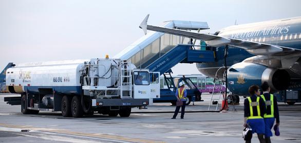 Đề xuất giảm thuế môi trường đối với nhiên liệu bay đến hết năm 2021 - Ảnh 1.