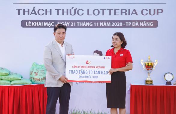 Lotteria Việt Nam quyên góp ủng hộ đồng bào miền Trung - Ảnh 1.