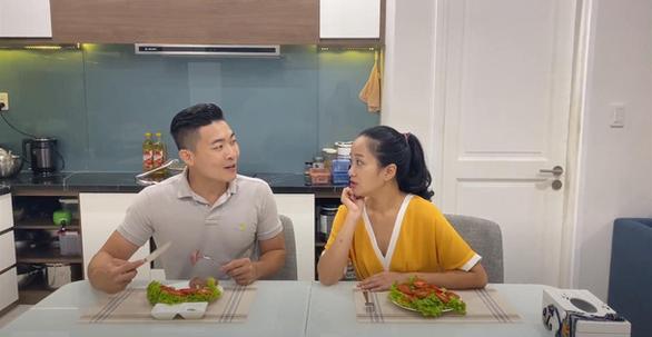 Tiết lộ chế độ ăn uống chuẩn lành mạnh của gia đình Quốc Cơ - MC Hồng Phượng - Ảnh 3.