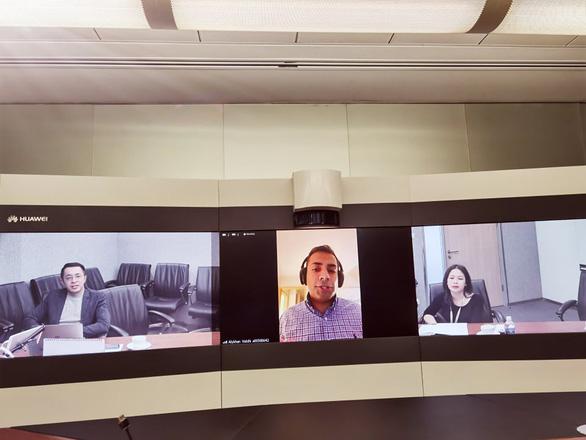 Huawei hi vọng 'chính quyền Biden' sẽ thay đổi về vụ bà Mạnh Vãn Chu - Ảnh 1.