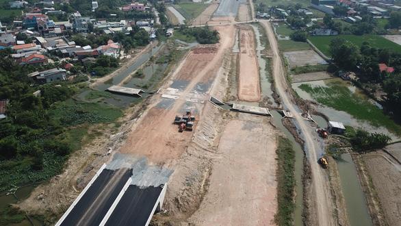 Cao tốc Bến Lức - Long Thành 'cầu cứu' TP.HCM ứng trước tiền đền bù giải tỏa - Ảnh 1.