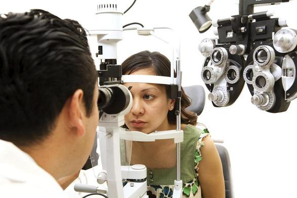 Khám mắt bằng AI giúp phát hiện sớm bệnh Parkinson - Ảnh 1.