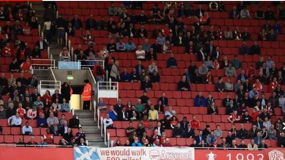 Điểm tin thể thao sáng 24-11: Thủ tướng Anh cho phép Premier League đón khán giả từ ngày 2-12 - Ảnh 1.