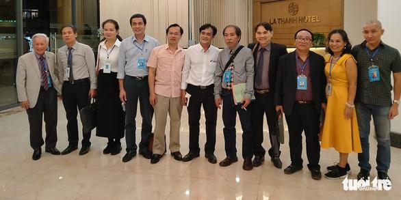 Ông Nguyễn Quang Thiều là tân chủ tịch Hội Nhà văn Việt Nam, ông Hữu Thỉnh làm cố vấn - Ảnh 2.