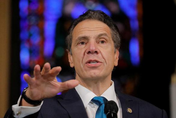 Thống đốc New York chỉ trích báo giới thiếu tôn trọng ông Trump - Ảnh 1.